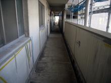 Wマンション 階段床シート防水屋上通気緩衝工事 廊下施工前