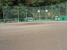 太宰府市 高校グラウンド フェンス壁、屋根塗装 施工後