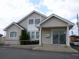 福岡県 古賀市 おおつか病院 外壁 屋根 塗装工事 施工前