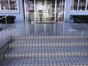 筑紫野市 工業技術センター 玄関 塗装工事 施工前
