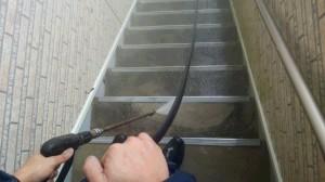 佐賀県 中田様所有 アパート 階段 高圧洗浄施工中