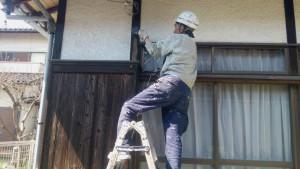 大野城市 付け柱 塗装工事 オイルステイン塗装 1回目施工中