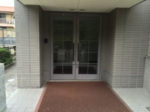 筑紫野市 キリスト教会 玄関ドア 塗装工事 完了
