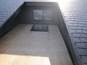 ガルバニウム鋼板 屋根葺き替え工事 下地合板 完了