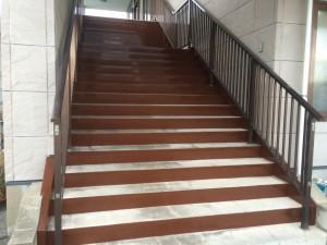 春日市 天国社春日会館 階段 塗装工事 完了