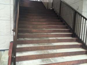 春日市 天国社春日会館 階段 塗装工事 施工前