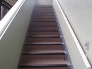 大野城市 坂井ビル 共用階段 長尺シート工事 完了