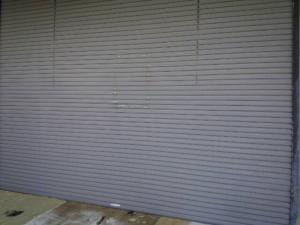 大野城市 塗装工事 安藤ビル シャッター塗装施工前