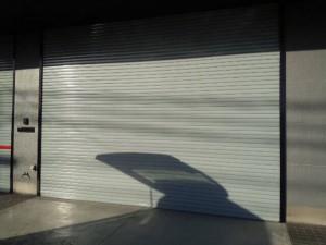 大野城市 塗装工事 安藤ビル シャッター塗装 完成