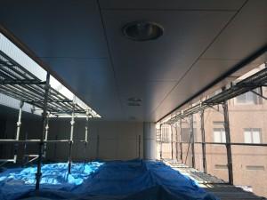 竹田ビル 玄関廻り 天井塗装完了
