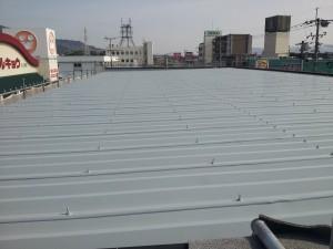 大野城市 安藤ビル 屋根 塗装工事 下塗り完了