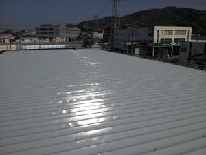 大野城市 安藤ビル 屋根 塗装工事 上塗り1回目 完了