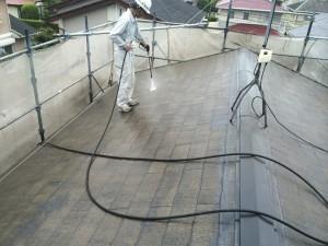 宇美町 塗装工事 K様 屋根塗装 高圧洗浄施工中