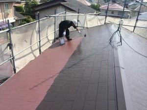 宇美町 屋根 塗装工事 K様邸 上塗り施工中