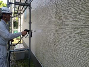 春日市 塗装工事 B様邸 外壁 高圧洗浄中