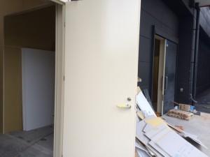 福岡市 塗装工事 スチールドア 完了