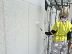 筑紫野市 塗装工事 JA阿志岐支店 外壁 下塗り 施工中