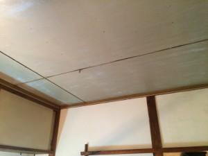 大野城市 塗装工事 白木原アパート リビング 天井 施工前