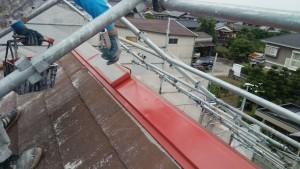 久留米市 アイゼン通運 塗装工事 屋根棟板金 錆止め 施工中