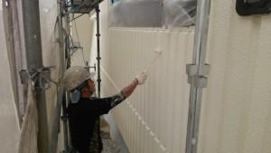 久留米市 塗装工事 アイゼン通運 外壁上塗り2回目 施工中