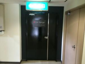 福岡市 東区 Y様 事務所 ドア塗装 完了