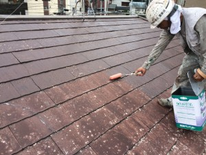 筑紫野市 F様邸 塗装工事 屋根下塗り施工中