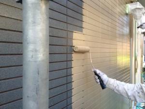 宗像市 塗装工事 I様邸 外壁 上塗り1回目 施工中