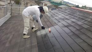 大野城市 塗装工事 M歯科医院 屋根塗装 下塗り施工中