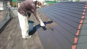 大野城市 塗装工事 M歯科医院 屋根塗装 上塗り1回目