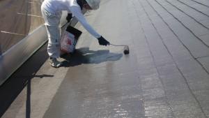 大野城市 塗装工事 M歯科医院 屋根塗装 上塗り2回目