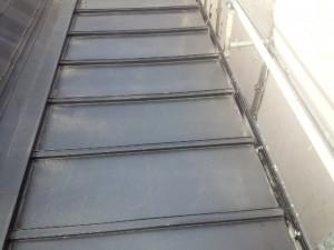 太宰府市 塗装工事 ロイヤル桜町 屋根瓦棒塗装 施工前
