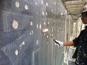 福岡市 博多区 塗装工事 レッドキャベツ月隈店 外壁一部塗装工事 下塗り施工中