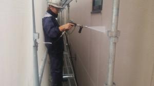 福岡市 博多区 FMT 塗装工事 高圧洗浄施工中