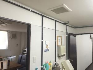 大野城市 黒棒ドーナツ店 塗装工事 内部パイプ塗装 施工前