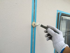 大野城市 T様邸 塗装工事 シーリング撤去後 プライマー施工中
