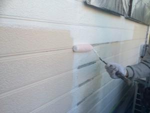 太宰府市 M様邸 塗装工事 外壁 下塗り施工中