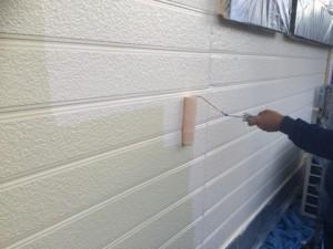 太宰府市 M様邸 塗装工事 外壁 上塗り施工中