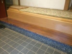 福岡市博多区 H様邸 塗装工事 玄関式台 クリア塗装 完了