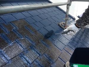 筑紫野市 塗装工事 H様邸 屋根塗装 上塗り1回目 施工中