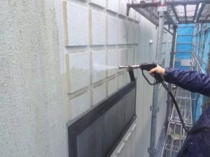 福岡市 早良区 徳栄寺 塗装工事 外壁塗装 高圧洗浄施工中