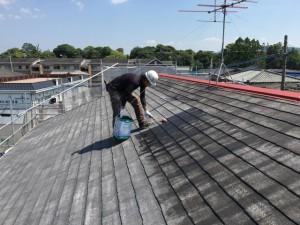 大野城市 塗装工事 Sアパート 屋根塗装 下塗り施工中