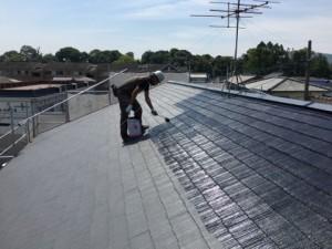 大野城市 塗装工事 Sアパート 屋根塗装 上塗り 施工中