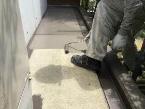 福岡県 糸島市 塗装工事 雷山の森 別荘 庇 防水 防水剤塗布1回目