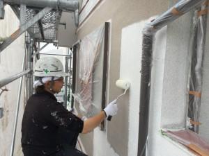 筑紫野市 T様邸 外壁塗装 下塗り 施工中