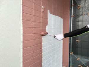 大野城市 塗装工事 K様邸 外壁 上塗り 1回目 ピンク系