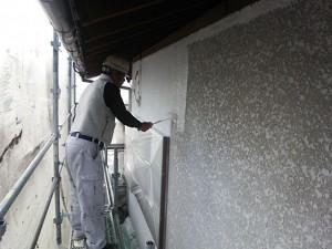 太宰府市 塗装工事 O様邸 外壁 下塗り施工中