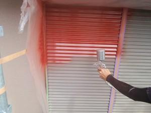 筑紫野市 塗装工事 K様邸 雨戸 塗装 下塗り 施工中