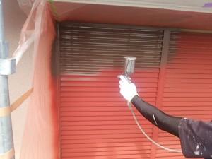 筑紫野市 塗装工事 K様邸 雨戸 塗装 中塗り 施工中