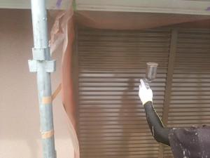 筑紫野市 塗装工事 K様邸 雨戸 塗装 上塗り 施工中
