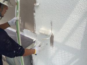 筑紫野市 K様邸 塗装工事 外壁 下塗り施工中